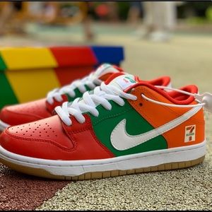 7-Eleven x Nike SB Dunk Low  athletic shoes
